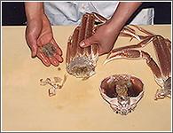 (5)指の根元のみの(かぶの上に付いているひだ)を手で取り除く。