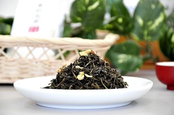 茉莉花茶(ジャスミン茶)
