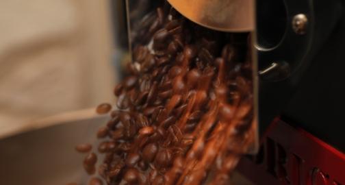 発送日の朝に焙煎するからいつでも新鮮なコーヒー豆が届きます